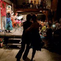 2014 09 01Konzert seitlich mit Silhouette Tanzpaar AUSSCHNITT