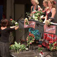 2014 09 01 Geburtstagskonzert mit Blumen-