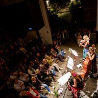 2014 09 01 Konzert von oben mit Blick auf Hof