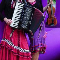 2014 06 18 Duo Muzet Royal vor lila 2 mit Kontrast-