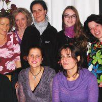 08-11-25 Muzet Royal DamenkrA nzchen locker Ausschnitt