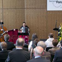 2012 05 04 Siemens Zeugnisfeier Muzet Royal-