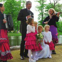 2013 05 11 Hochzeit Oranienburg mit BlumenstreumA dchen-