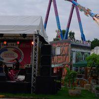 2013 06 28 dt fr Volksfest mit TA nzern und Gondel-