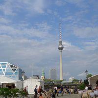 2011 08 12 Gauklerfest mit Fernsehturm und Dom-