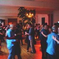 06-05-01 Tanz in den Mai 2006 im Tangoloft Wedding (wir sind hinter dem Maibaum)