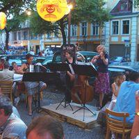 """06-08 Potsdamer Erlebnisnacht: Konzert vor dem Weinlokal """"In Vino"""", Sommer 06"""