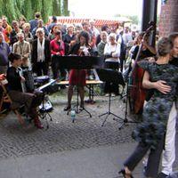 """06-09 """"Open Air Gallery"""", Tangokonzert zum 06-09 Tanz auf der Oberbaumbrücke, Herbst 2006"""